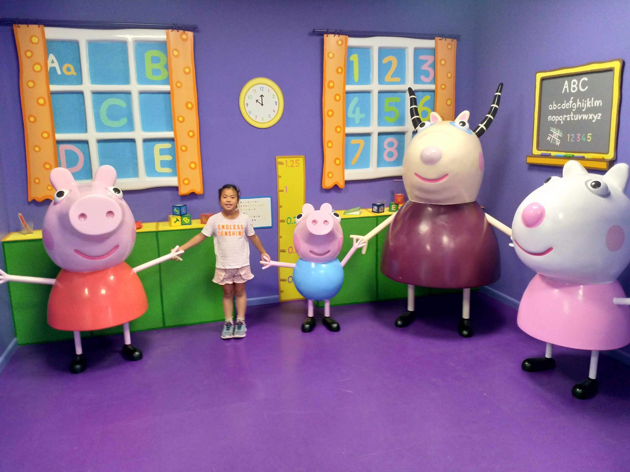 Summer Holidays Peppa Pig World Cover