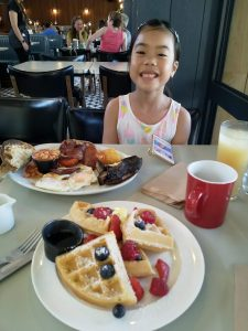 Mollies Motel & Diner breakfast
