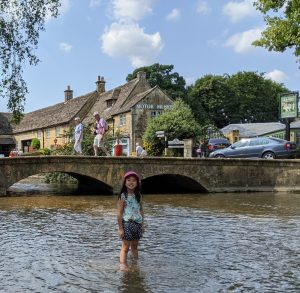 Bourton on the Water Cara